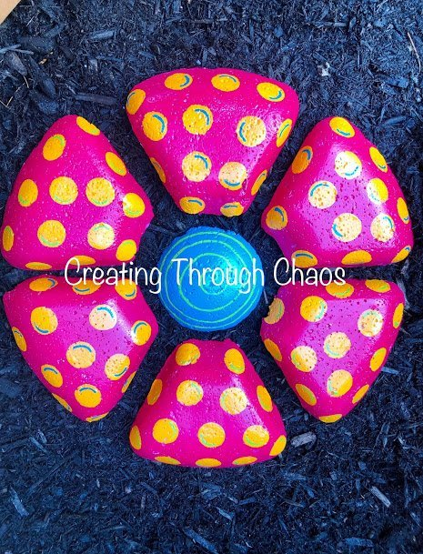 Dollar-Tree-DIY-Flower-Stepping-Stones